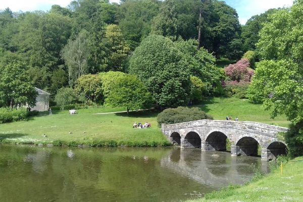 The Place To Stay, Frome, Somerset, Guest House family bed and breakfast accommodation - near Stourhead Gardens